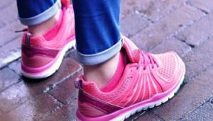 https://topshoeswomen.com/5-best-wide-width-walking-shoes-for-women/